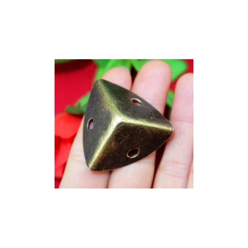 Antiek bronzen kisthoek 2.5 x 2.5 x 2.5cm
