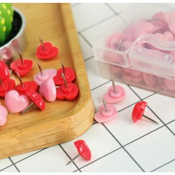 Punaises: mix van 48 roze en rode hartjes in doosje