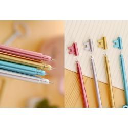Blauwe pen in de vorm van een sleutel