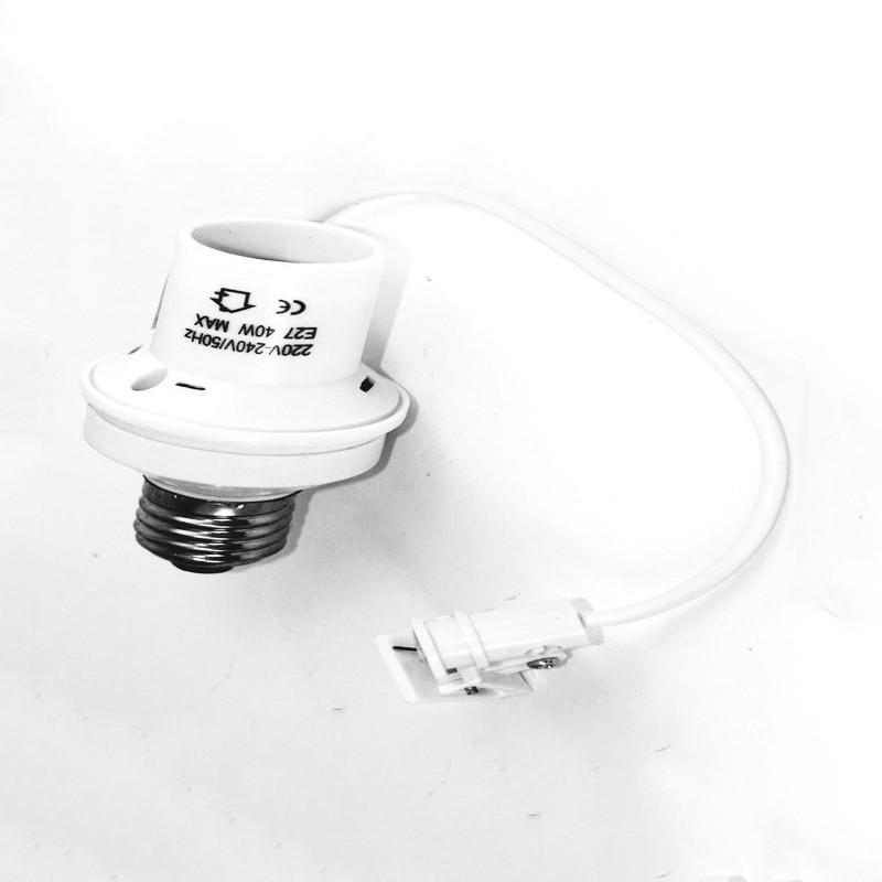 E27 fitting with light sensor