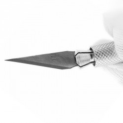Razor sharp scalpel with extra blades