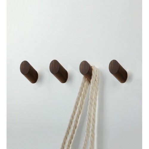 Set of 4 wooden clothes hooks, walnut