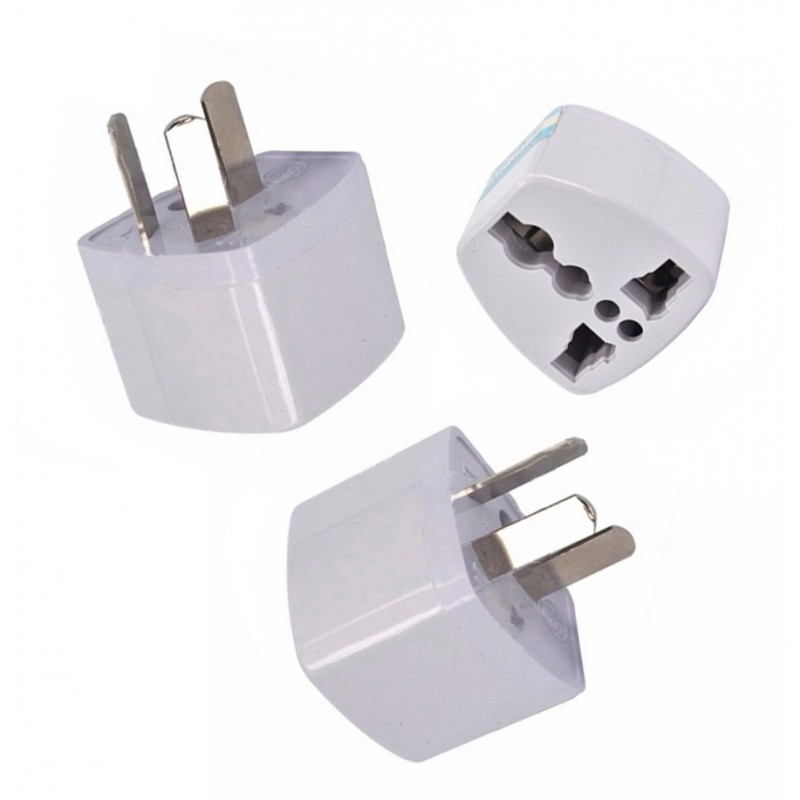 3 adapter plugs US//UK/EU to Australia