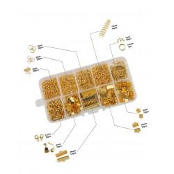 Doosje met ringetjes en klemmen voor sieraden: goud